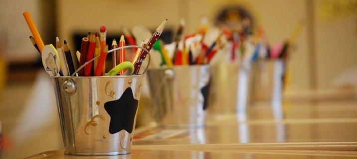 La enseñanza es bastante difícil, no debería tener que ir a la quiebra comprando útiles escolares demasiado